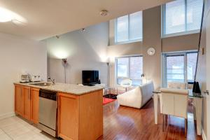 Palais-des-Congrès Furnished Apartments by Hometrotting, Apartmány  Montreal - big - 9