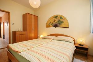 Apartment Novi Vinodolski 5488a, Apartmány  Novi Vinodolski - big - 10