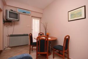 Apartment Novi Vinodolski 5488a, Apartmány  Novi Vinodolski - big - 11