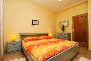 Apartment Novi Vinodolski 5488a, Apartmány  Novi Vinodolski - big - 17