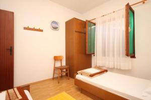 Apartment Slatine 7585b, Appartamenti  Slatine - big - 6