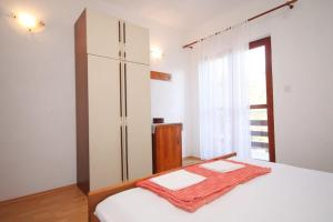 Apartment Slatine 7585b, Appartamenti  Slatine - big - 3