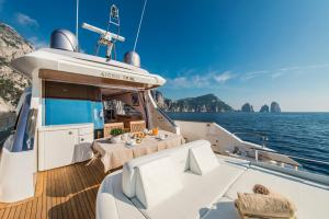 Capasecca Luxury Yacht - AbcAlberghi.com