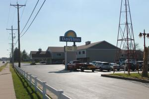 Days Inn by Wyndham Davenport IA, Hotely  Eldridge - big - 27