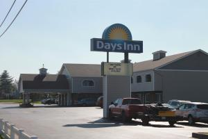 Days Inn by Wyndham Davenport IA, Hotely  Eldridge - big - 26