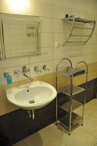 Apartmany U Divadla, Ferienwohnungen  Karlsbad - big - 17