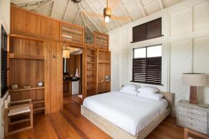Mahogany Bay Resort & Beach Club, Curio – A Collection by Hilton (13 of 33)