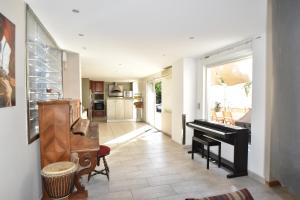 Coloc dans Villa d'Architecte - Air Rental, Bed & Breakfast  Montpellier - big - 9