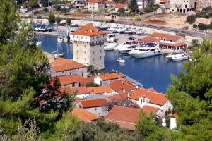 Apartments and rooms with parking space Marina (Trogir) - 5953
