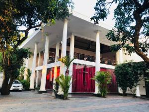 Отель Creston Park, Анурадхапура