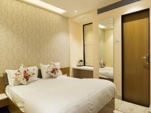 Hotel Sangat Regency, Hotels - Bhopal
