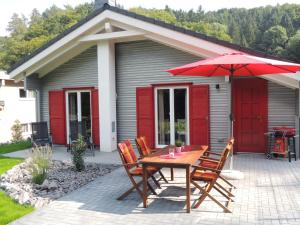 Eifel & See - Ferienhäuser am Waldsee Rieden/Eifel - Arft