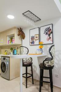 Family Kids Loft Homestay Near Subway Changlong, Apartmány  Kanton - big - 10