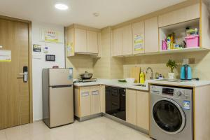 Family Kids Loft Homestay Near Subway Changlong, Apartmány  Kanton - big - 15