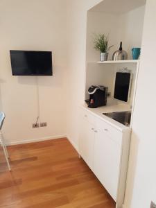 Via Roma Apartment Deluxe, Apartmány  Salerno - big - 39