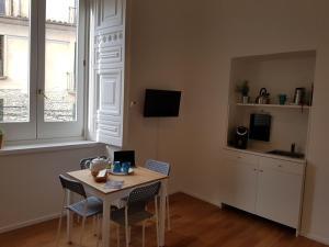 Via Roma Apartment Deluxe, Apartmány  Salerno - big - 41
