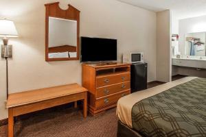 Econo Lodge Brownsville, Motel  Brownsville - big - 5