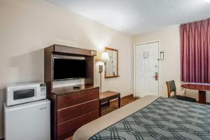 Econo Lodge Brownsville, Motel  Brownsville - big - 9