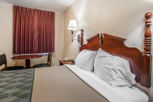 Econo Lodge Brownsville, Motel  Brownsville - big - 10