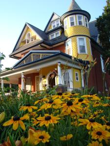 A Moment in Time Bed and Breakfast - Accommodation - Niagara Falls