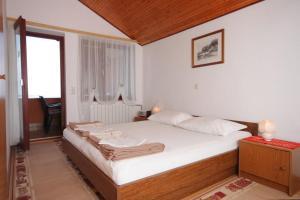 Apartments by the sea Mali Losinj Losinj 3483