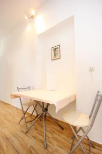 Studio Dubrovnik 9077a, Apartments  Dubrovnik - big - 4