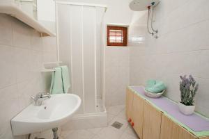 Studio Bibinje 11074a, Apartmanok  Bibinje - big - 11