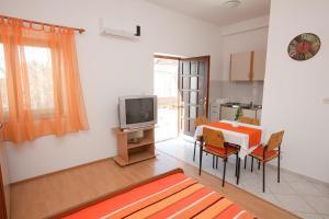 Studio Bibinje 11074c, Apartmanok  Bibinje - big - 4