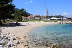 Apartments with a parking space Nerezine Losinj 2518