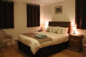 Hillside - Accommodation - Dingwall