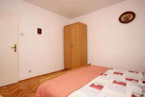 Apartment Vinisce 10006a, Ferienwohnungen  Vinišće - big - 26