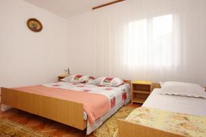 Apartment Vinisce 10006a, Ferienwohnungen  Vinišće - big - 33