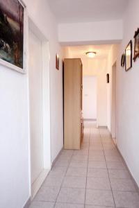 Apartment Vinisce 10006a, Ferienwohnungen  Vinišće - big - 39