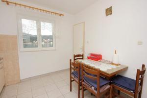 Apartment Vinisce 10006a, Ferienwohnungen  Vinišće - big - 43