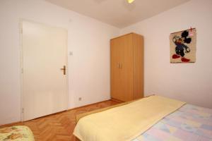Apartment Vinisce 10006a, Ferienwohnungen  Vinišće - big - 48