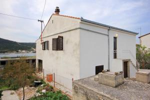 Studio Vinisce 10006a, Apartments  Vinišće - big - 21