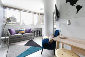 Central artistic 1 bed apartment with views - Sydney