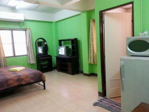 Roong-Arun Apartment - Ban Sam Ngam