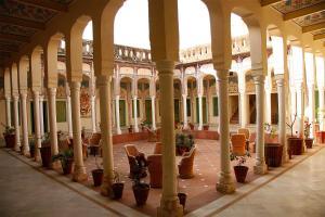 Indra Vilas, Курортные отели  Alsīsar - big - 9