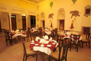 Indra Vilas, Курортные отели  Alsīsar - big - 10