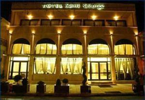 Saint George Hotel, Аспровальта