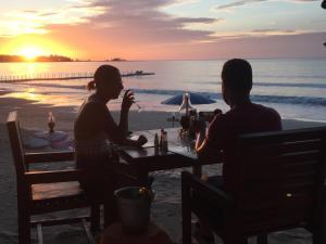 Ao Thong Beach Bungalows, Кхаулак