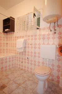 Apartment Tribunj 7117b, Appartamenti  Tribunj (Trebocconi) - big - 25