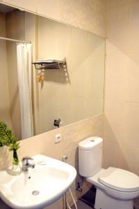 Hotel Alpha Makassar, Hotels  Makassar - big - 21