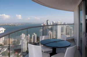 Stunning 2 Bedroom on the Beach in Bocagrande, Apartmanok  Cartagena de Indias - big - 6