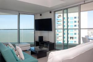 Stunning 2 Bedroom on the Beach in Bocagrande, Apartmanok  Cartagena de Indias - big - 16