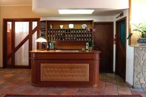 Family Hotel Como Rivisondoli, Hotely  Rivisondoli - big - 9