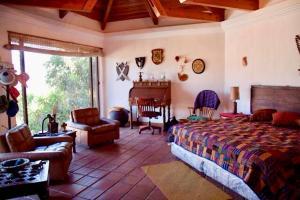 Atitlan Lake House AT005, Дома для отпуска  Cerro de Oro - big - 1