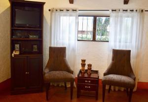 Atitlan Lake House AT005, Дома для отпуска  Cerro de Oro - big - 4