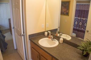 320 Highgate at Legacy Park 4 Bedroom Villa, Vily  Davenport - big - 14